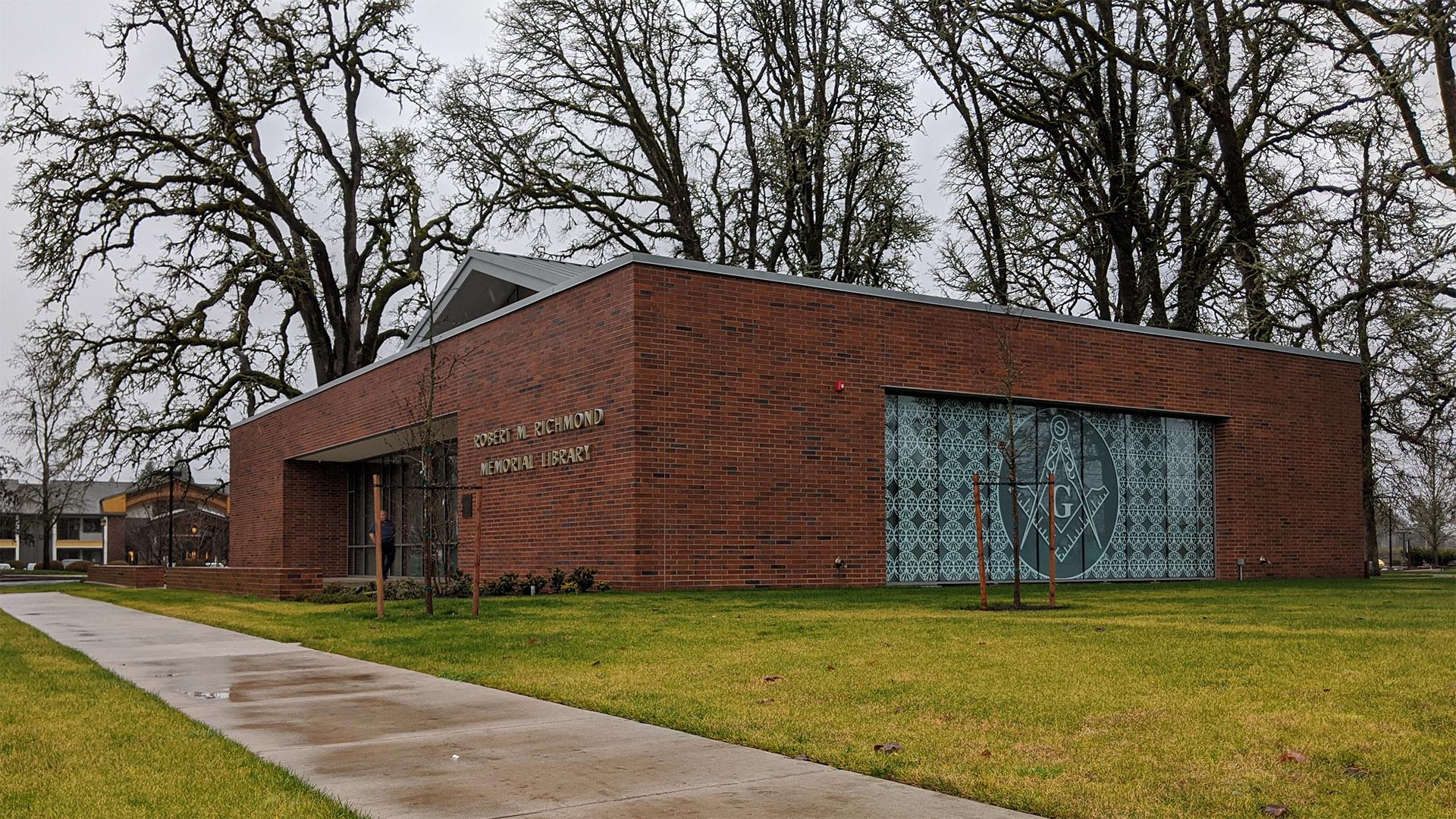 Robert M. Richmond Memorial Library